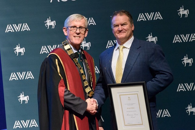 Dr Ian Fulton awarded top AVA award