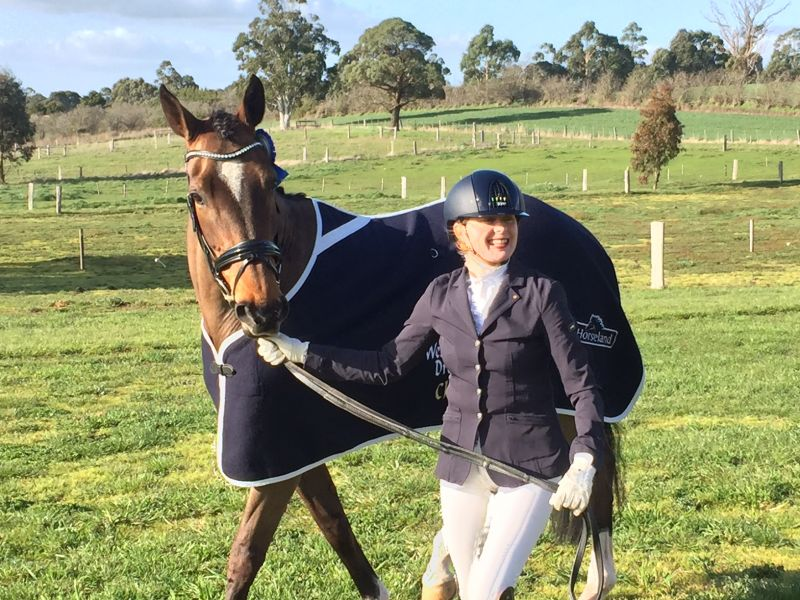 Dr Fiona Anderson wins Victorian dressage award!